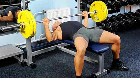 Tous ces exercices sont des mouvements libres de poids